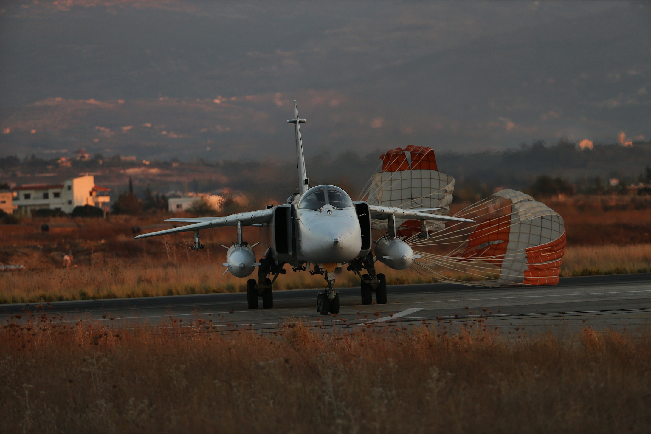 Russian military intervention and aid to Syria #9 - Page 4 Su-24_2_s